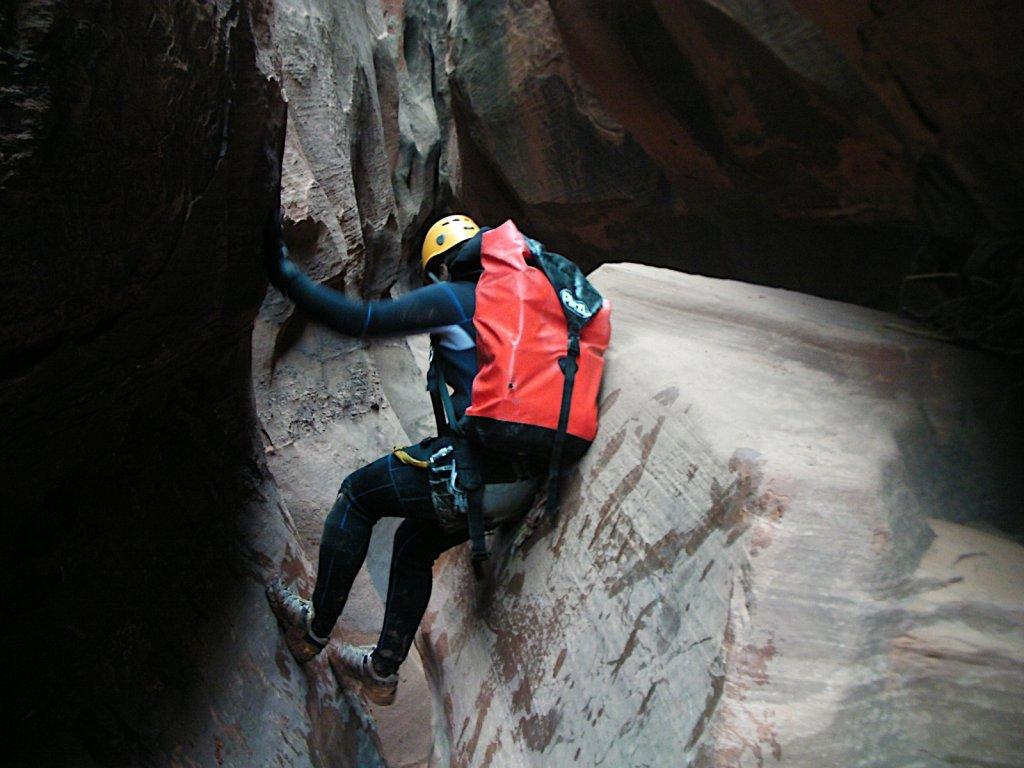 escalante-canyoneering-2009-076.jpg