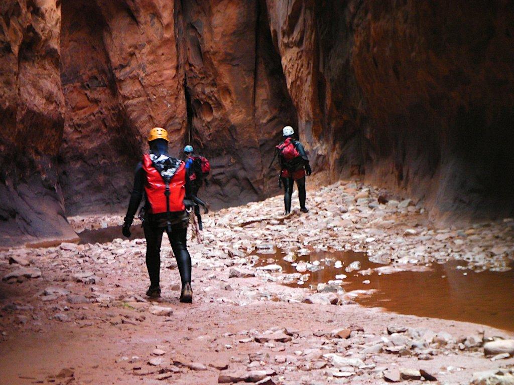 escalante-canyoneering-2009-074.jpg