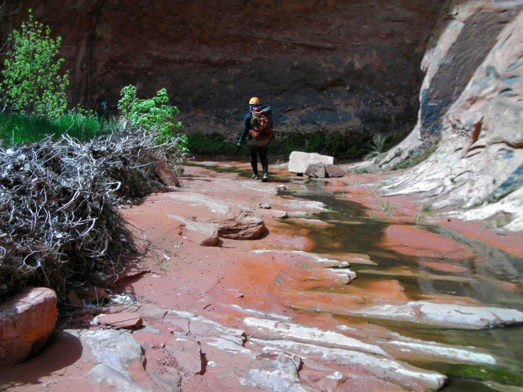 escalante-canyoneering-2009-072.jpg