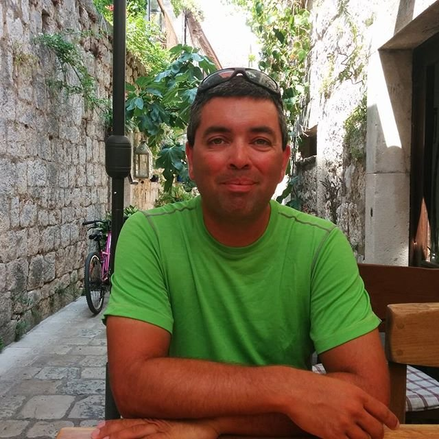 Enjoying the shady cool in the small streets of Stari Grad.
